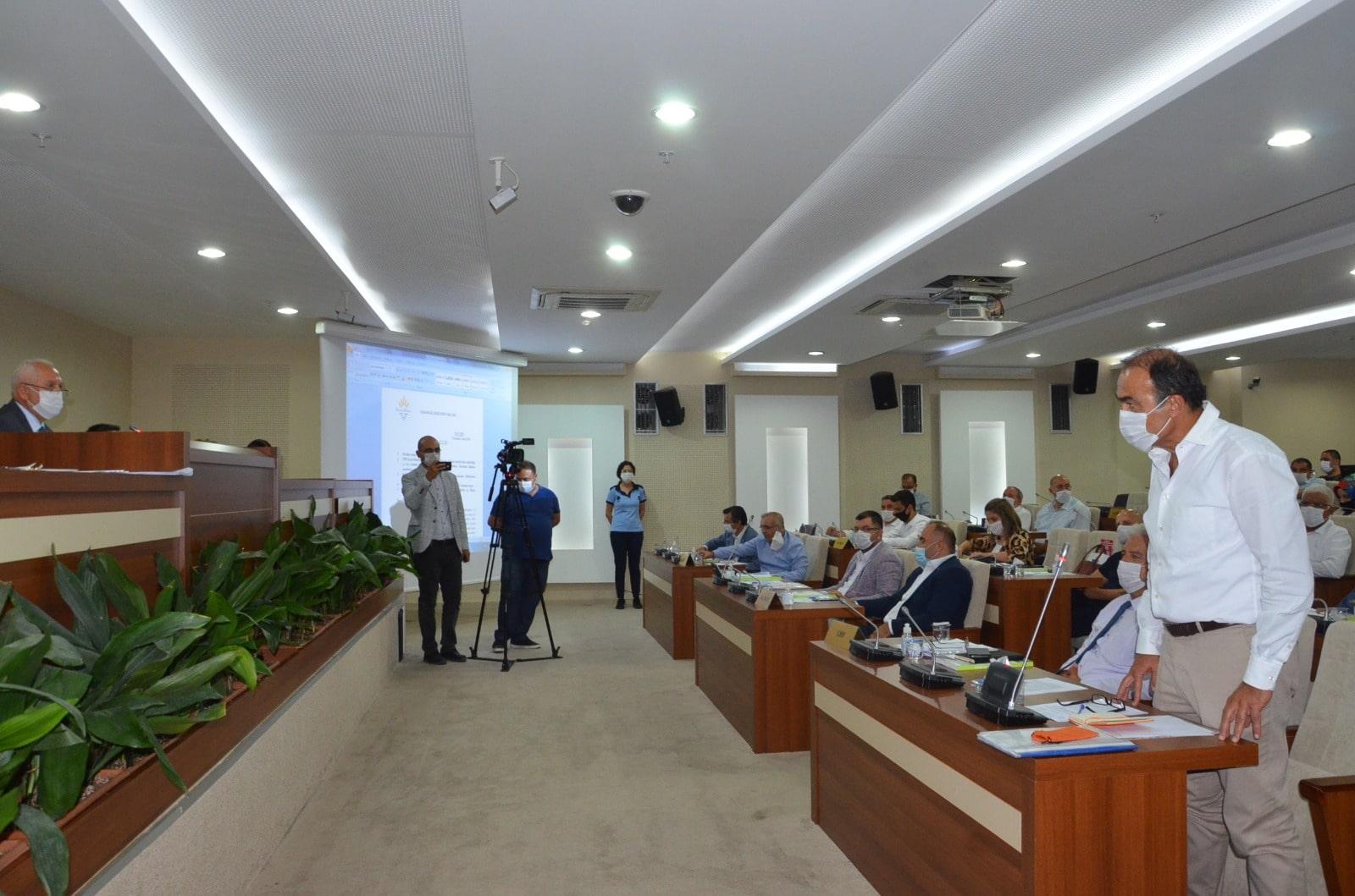 Karabağlar Belediye Meclisi'ne Dila Koyurga damgası